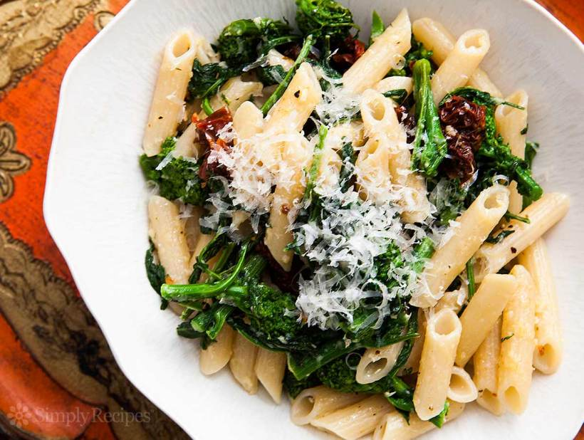 broccoli-rabe-pasta-sundried-tomatoes